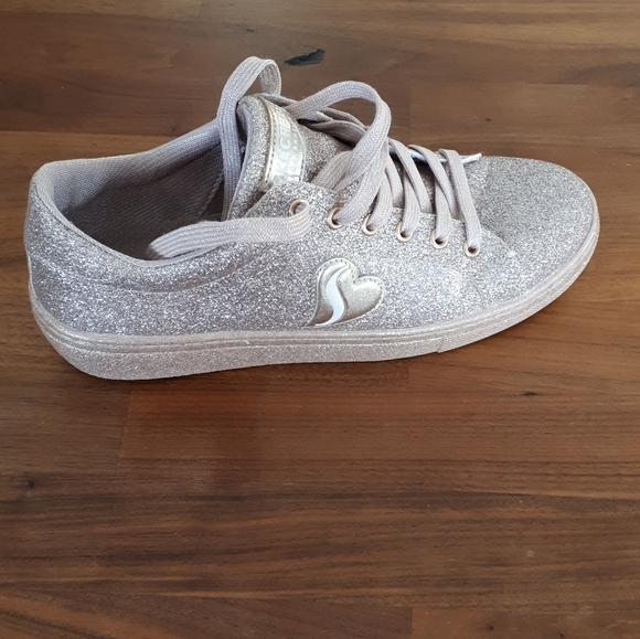 Skechers Air cooled memory foam sparkling sneakers